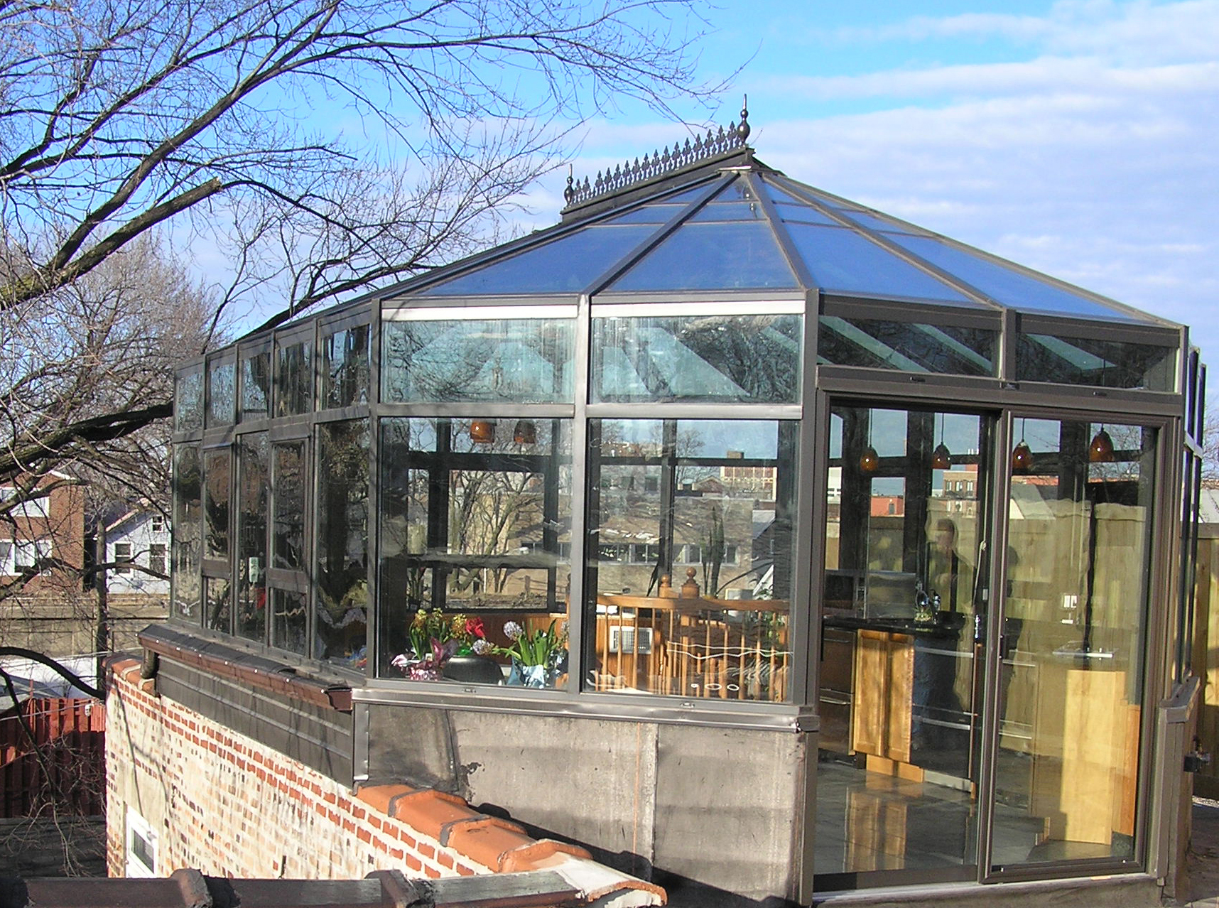 Sunroom addition sunrooms and glass room on pinterest for Solarium additions