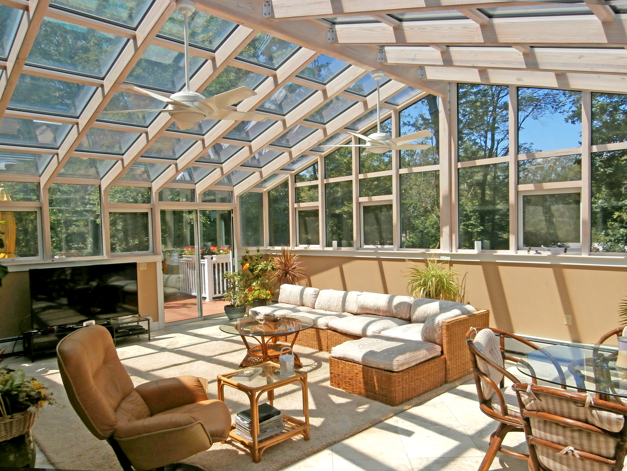 Florian greenhouse sun rooms conservatories for Greenhouse sunroom addition